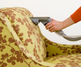 Уход за мебелью, чистка дивана